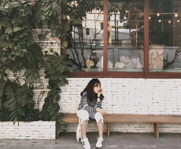 chieu-pose-hinh-cua-hot-girl-de-co-chan-dai-khong-can-keo-1