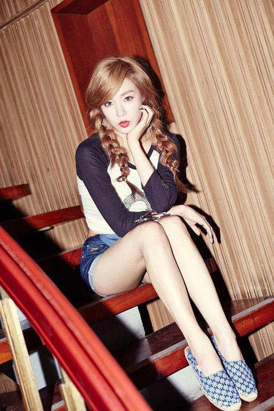 chieu-pose-hinh-cua-hot-girl-de-co-chan-dai-khong-can-keo-7