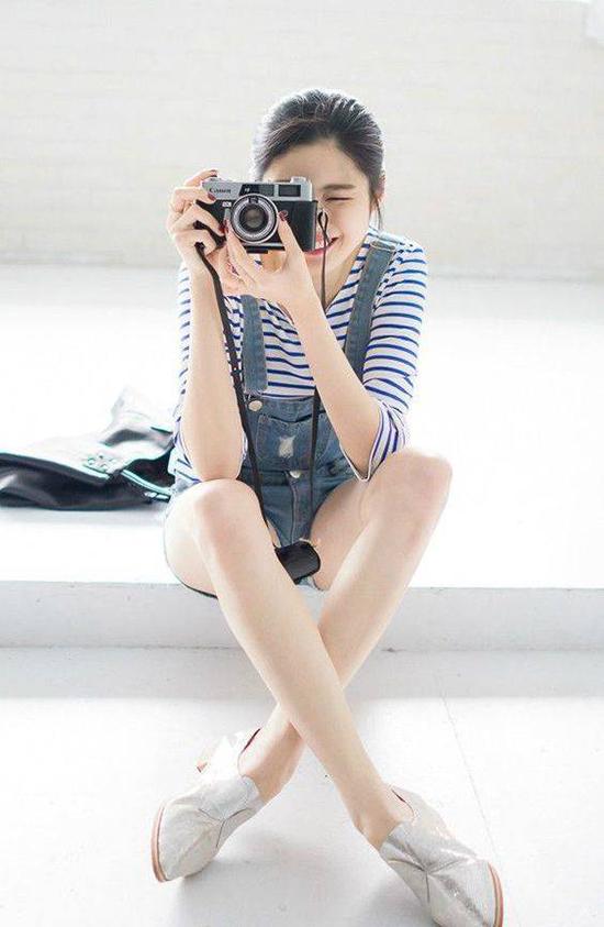 chieu-pose-hinh-cua-hot-girl-de-co-chan-dai-khong-can-keo-8