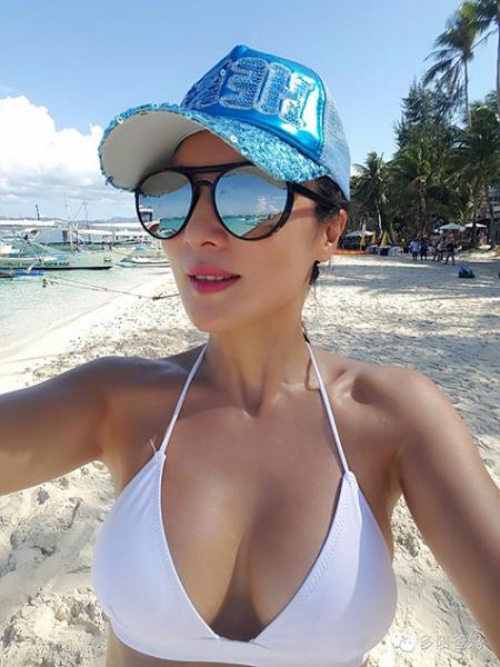 Cô Ye Wen có mơ ước sẽ giữ gìn được vóc dáng đẹp, thon gọn như cách thiên   thần Victoria's Secret, đến năm 80 tuổi vẫn có thể mặc bikini đi bơi.