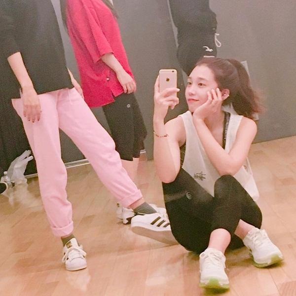 sao-han-5-7-yoon-ah-mac-dong-phuc-hoi-teen-seo-hyun-me-mn-nhin-ban-dien-nam-6