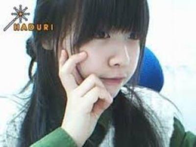 idol-kpop-xau-dep-duoc-chung-minh-qua-anh-webcam-truoc-debut-8