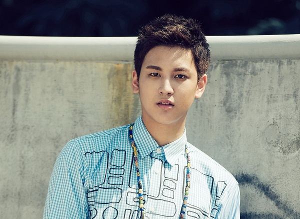 Hiện tại, Chan Woo tập trung cho sự nghiệp âm nhạc thay vì diễn xuất. Em út của iKON trông có da có thịt hơn so với hồi làm diễn viên nhí. Anh chàng sở hữu đôi má phính thương hiệu.