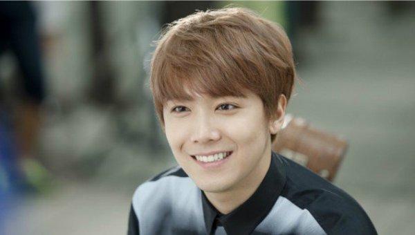 nhung-lan-idol-kpop-nguong-chin-mat-khi-duoc-tang-qua-nguoi-lon-3