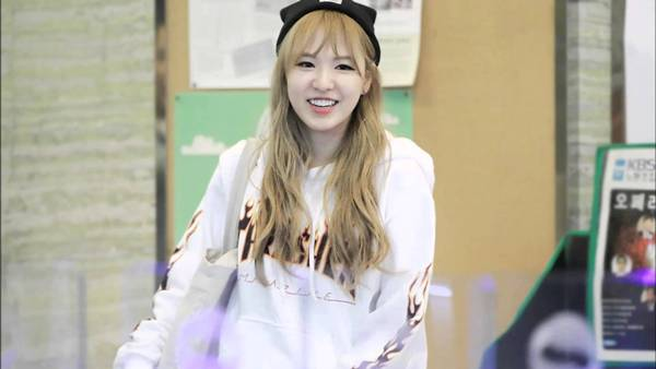 Sở hữu giọng hát khủng nhưng Wendy vẫn chưa tạo được sức hút riêng. Thành viên Red Velvet thường bị soi mói về ngoại hình mũm mĩm, cân nặng thất thường. Scandal phân biệt chủng tộc cũng khiến Wendy gom về không ít antifan.