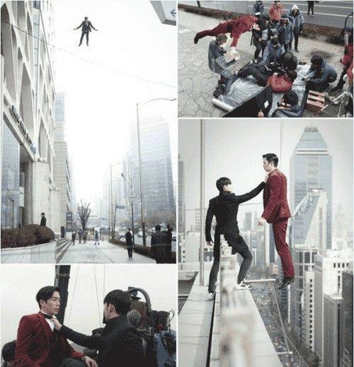 Trên thực tế, Shin Sung Rok bị treo lơ lửng bởi cáp treo ở độ cao hơn 10m so với mặt đất. Cảnh quay kéo dài trong hơn 3 ngày.