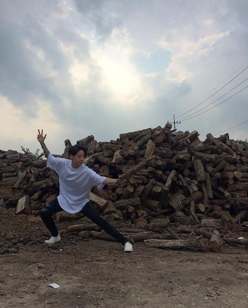 sao-han-11-8-bora-vo-tu-de-lo-day-ao-lot-hwang-jung-eum-lung-xuong-xu