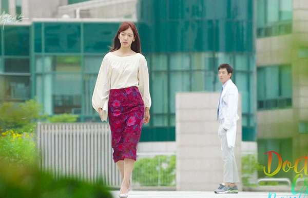 6-bo-canh-dep-nhat-cua-park-shin-hye-trong-doctors-7