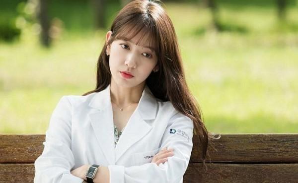 vong-co-cua-park-shin-hye-ban-chay-bat-ngo-nho-doctors