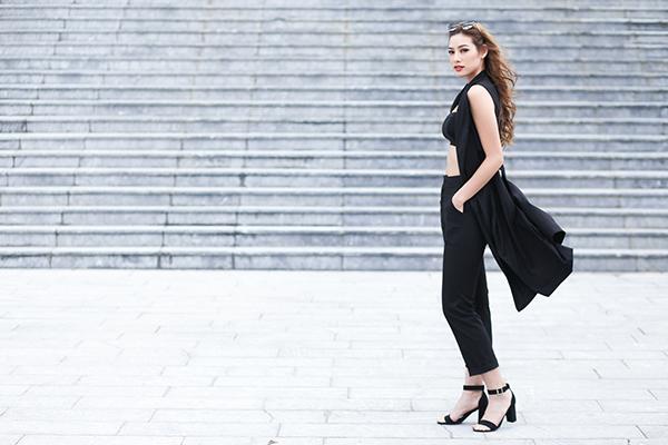 Những ngày gần đây, Lily Nguyễn là cái tên phủ sóng khắp các mặt báo, cô nàng được biết đến là một trong những chiến binh mạnh nhất của team Hà Hồ khi tham gia chương trình The Face  Gương mặt thương hiệu. Càng hot hơn sau khi người đẹp vừa dừng cuộc chơi ở tập 8.