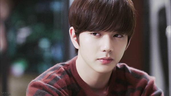 Yoo Seung Ho đã có vai diễn xuất sắc trong I Miss You. Harry là một chàng trai trẻ thành đạt, điển trai, nhưng vì tuổi thơ quá đau khổ dẫn đến chứng tâm thần phân liệt. Trong lòng Harry luôn tràn ngập hận thù, cậu ta đã ra tay sát hại nhiều người, thậm chí còn cố giết người con gái mình yêu chỉ vì nhận ra tình cảm không được đáp lại.