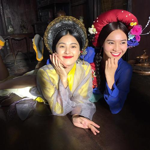 Trong phim, Cám nhiều lần cùng dì ghẻ hãm hại Tấm đến chết, nhưng ngoài đời, Hạ Vi và Lan Ngọc rất thân thiết với nhau.