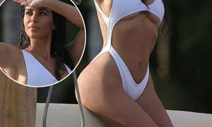 Vòng 3 phình to như sắp nổ của cô Kim khi mặc bikini bạo