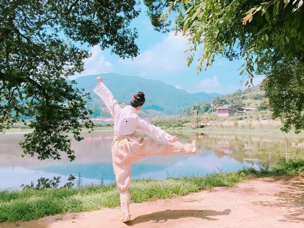 sao-han-23-8-kim-yoo-jung-gia-trai-nhi-nho-kim-rae-won-om-ap-park-shin-hye-8