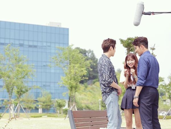 sao-han-23-8-kim-yoo-jung-gia-trai-nhi-nho-kim-rae-won-om-ap-park-shin-hye-2-5