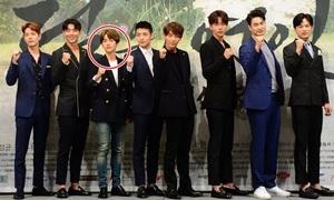 Baek Hyun bị dìm chiều cao, IU đọ sắc cùng Seo Hyun