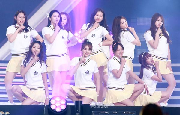 4-girl-group-tan-binh-danh-dau-thang-do-4