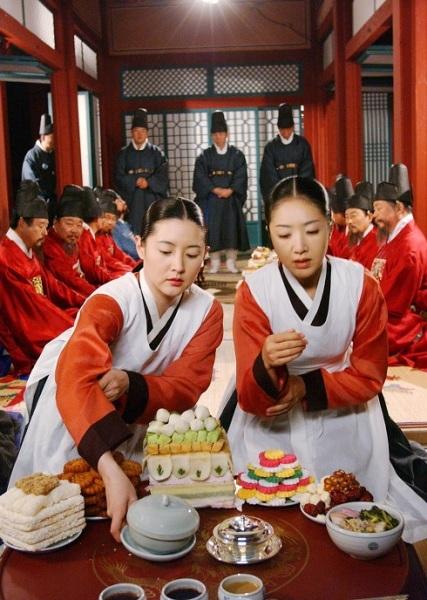 7-phim-chau-a-khong-nen-xem-khi-dang-an-kieng-3