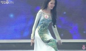 Thí sinh Hoa hậu Việt Nam 2016 suýt 'vồ ếch' trên sân khấu