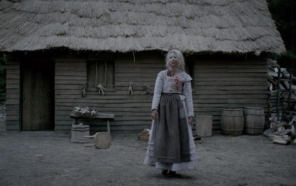 The Witch lấy bối cảnh New England năm 1630, một gia đình nông dân bị đuổi khỏi đồn điền của mình buộc phải cùng gia đình chuyển tới sống ở một khu đất hoàng gần cánh rừng bị đồn là nơi trú ngụ của các phù thuỷ. Thế rồi ngay sau đó những chuyện kỳ bí và đáng sợ đã xảy ra, động vật trở nên hung bạo, cây trồng không thể phát triển, một đứa trẻ biến mất và quay về với linh hồn quỷ dữ ở bên trong. Khi nỗi sợ hãi dâng cao cùng các suy diễn hoang tưởng, mọi nghi ngờ đổ về cô con gái tuổi teen Thomasin. Họ buộc tội cô gái trẻ là phù thuỷ trong khi cô một mực phủ nhận. Nhưng khi tình hình ngày càng trở nên căng thẳng, tình yêu và đức tin của mỗi thành viên trong gia đình đều đứng trước những thử thách kinh hoàng khó quên.
