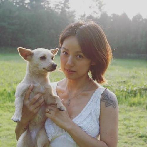 sau 3 nam lay chong xau, lee hyori thay doi khong ngo hinh anh 4