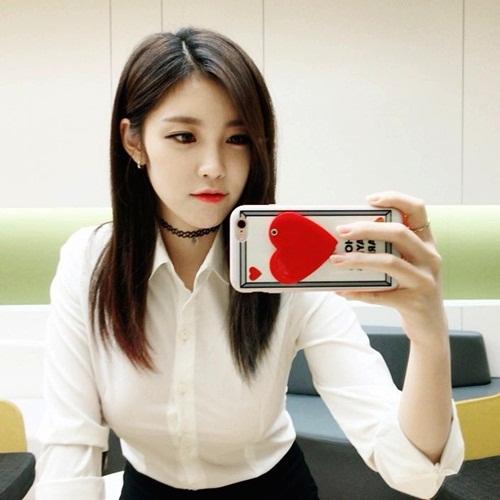 sao-han-10-9-seol-hyun-mat-tron-xoe-hyo-sung-ao-chat-nhu-sap-bung-cuc-2-4