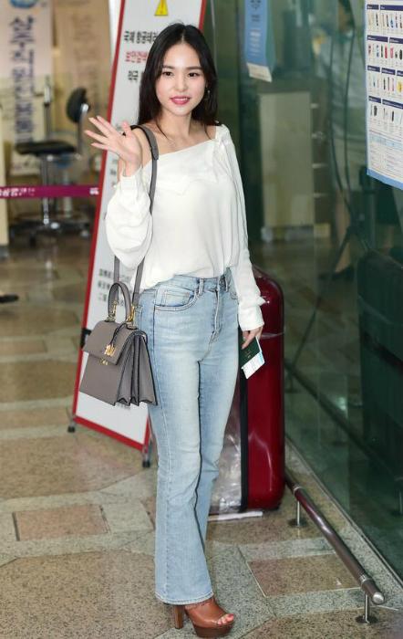 kpop-style-12-9-suzy-jun-ji-hyun-do-ve-sang-chanh-o-san-bay-4