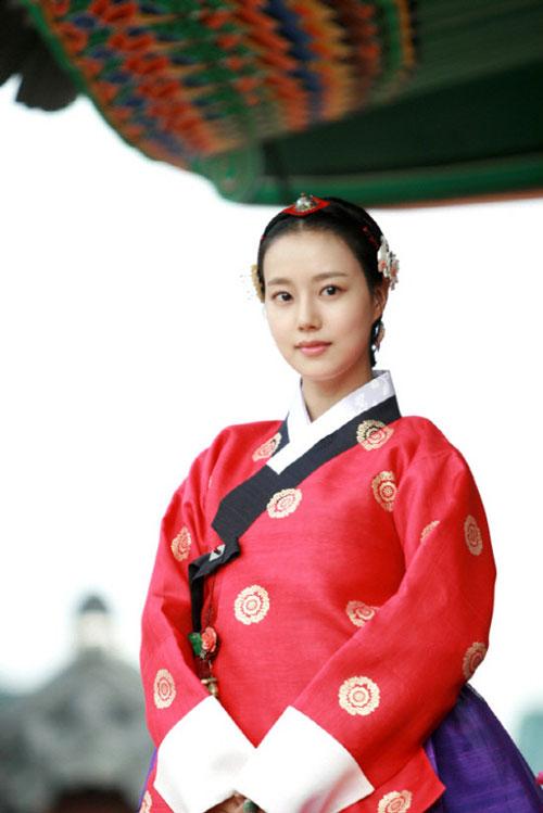 my-nhan-han-dien-hanbok-xinh-ngat-ngay-page-2