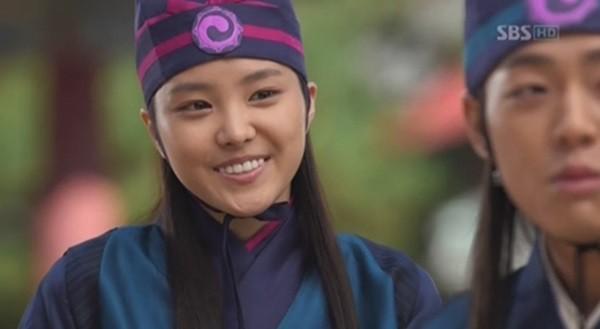 nhung-nu-than-kpop-nhan-khen-che-voi-tao-hinh-co-trang-page-2-7