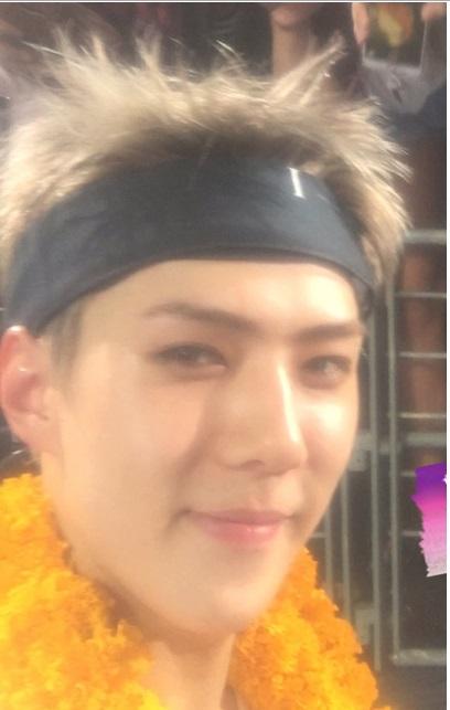 se-hun-exo-trai-dep-noi-tieng-bi-che-khong-biet-song-ao-3