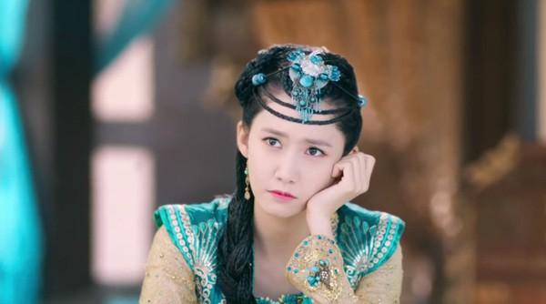 nhung-nu-than-kpop-nhan-khen-che-voi-tao-hinh-co-trang-page-2-1