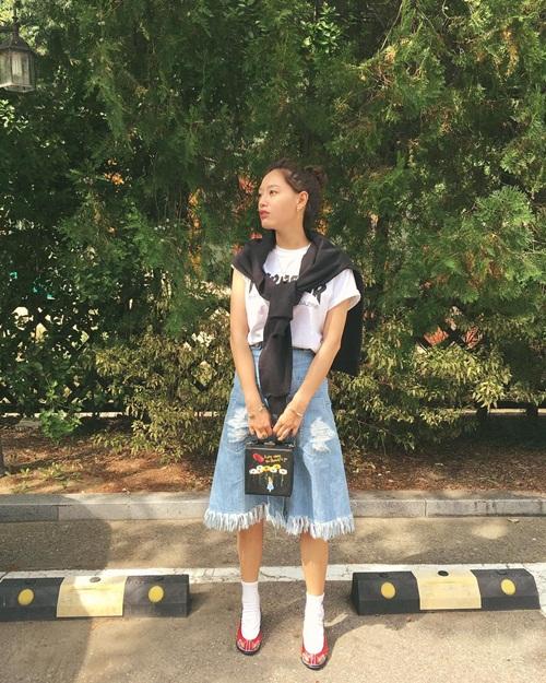 sao-han-17-9-kim-yoo-jung-mat-trang-boc-sulli-nho-be-nhu-hoc-sinh-5
