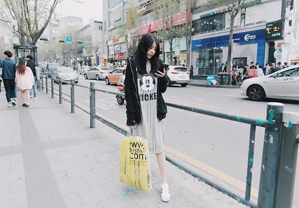 loat-street-style-cua-con-gai-viet-de-tuong-nham-la-gai-han-5