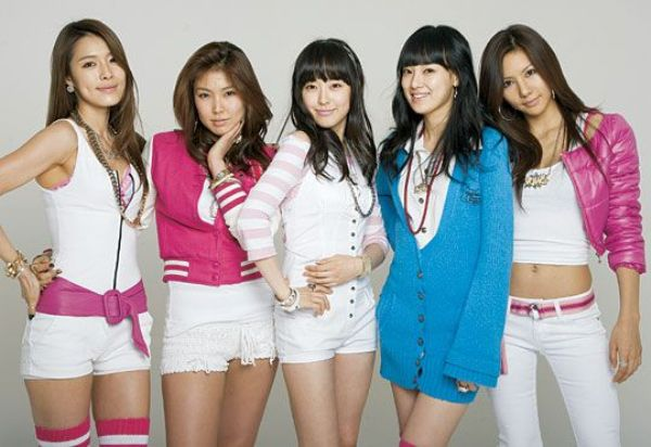doi-hinh-gay-thuong-nho-thoi-moi-ra-mat-cua-12-nhom-nu-dinh-dam-kpop-9
