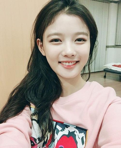 sao-han-20-9-krystal-bi-photoshop-khong-nhan-ra-na-eun-hung-ho-vai-ao-goi-cam-2-1