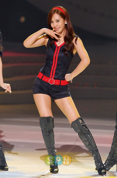 8-idol-nu-kpop-minh-dai-chan-ngan-2