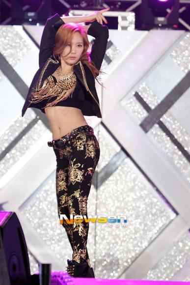8-idol-nu-kpop-minh-dai-chan-ngan-6