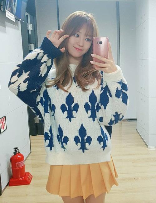 sao-han-29-9-suzy-giong-hani-bat-ngo-park-shin-hye-lo-chan-manh-mai-3