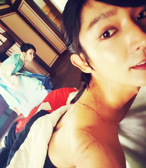 sao-han-29-9-suzy-giong-hani-bat-ngo-park-shin-hye-lo-chan-manh-mai-1
