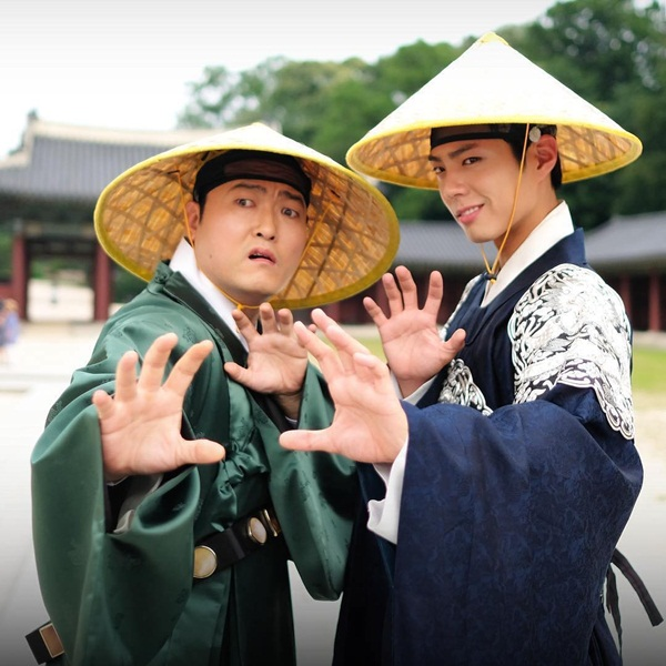 sao-han-29-9-suzy-giong-hani-bat-ngo-park-shin-hye-lo-chan-manh-mai-6