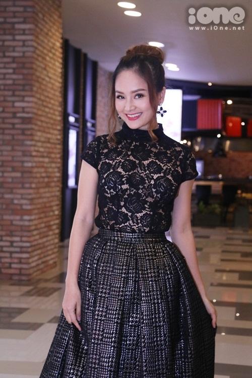 dan-sao-viet-tren-tham-do-lien-hoan-phim-thai-10