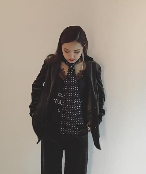 sao-han-2-10-hyun-ah-di-giay-kieu-pha-hoai-kim-so-hyun-tet-toc-xinh-yeu-2-5