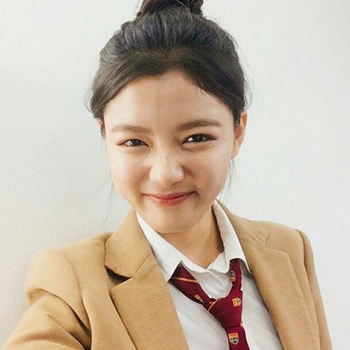 sao-han-5-10-seo-hyun-nhi-nhanh-ben-2-hoang-tu-dep-trai-sulli-da-trang-non-6