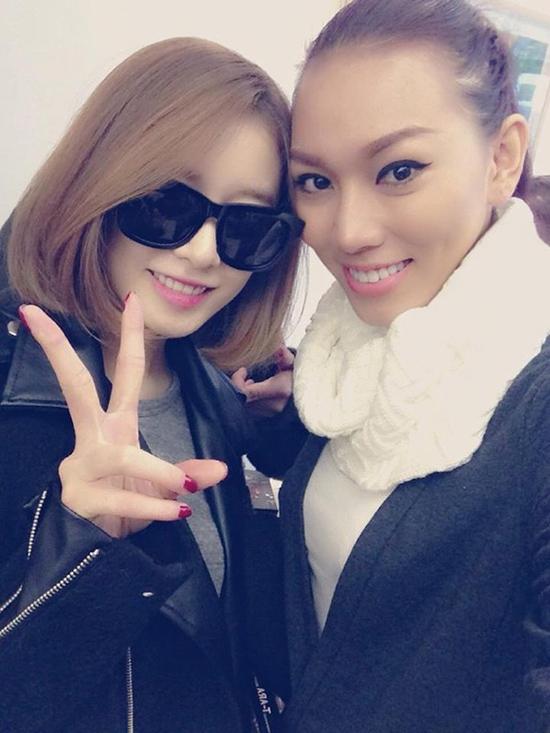 sao-viet-xinh-ngang-ngua-trong-nhung-lan-selfie-voi-my-nhan-han-7