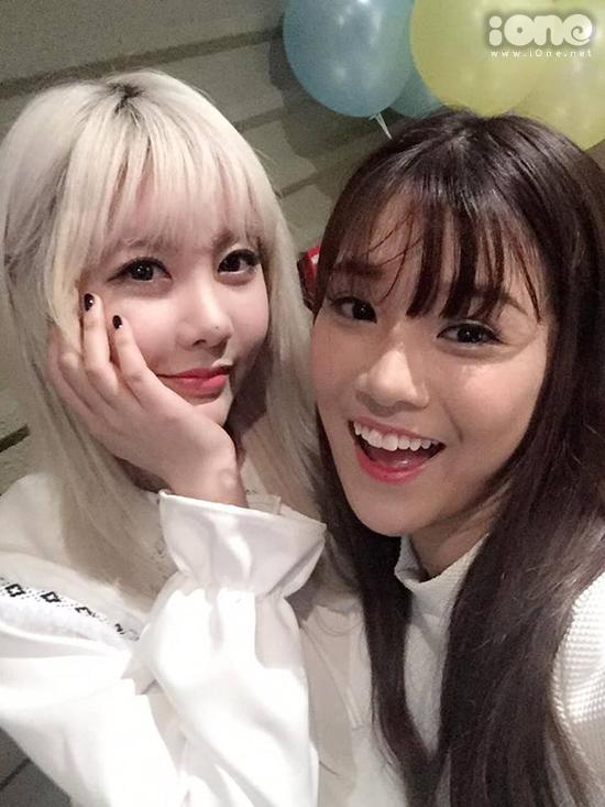 sao-viet-xinh-ngang-ngua-trong-nhung-lan-selfie-voi-my-nhan-han-5