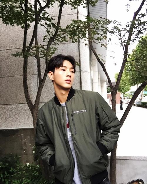 sao-han-8-10-lee-jong-suk-mat-nghiem-tuc-hyun-ah-khoe-xi-tai-sac-so-3