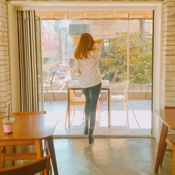 sao-han-9-10-3-my-nu-the-he-moi-do-sac-ji-yeon-khoe-dang-dong-ho-cat-5