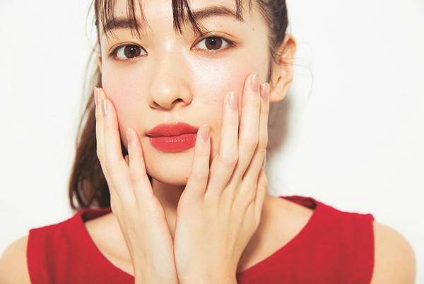 5-kieu-makeup-hop-mot-cho-co-nang-vung-ve-3