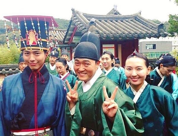 sao-han-12-10-dara-quan-rach-tan-nat-kim-sae-ron-cang-lon-cang-sanh-dieu