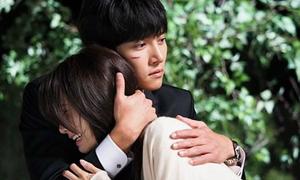 4 cảnh ngọt ngào giữa Yoon Ah - Ji Chang Wook trong 'The K2'